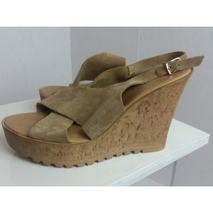 Bamboo Suede Wedged Sandal  size 8.5